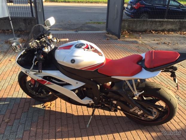 Yamaha YZF R6 – 2008 full